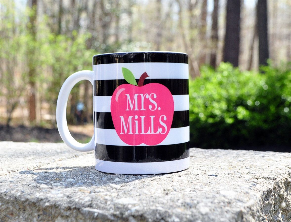 Teacher Mug - Teacher Gift - Teacher Appreciation - Custom Teacher Gift- Apple Mug- Teacher For Gift - Personalized Teacher Gift by LeChicMonogram on Etsy https://www.etsy.com/listing/249415850/teacher-mug-teacher-gift-teacher