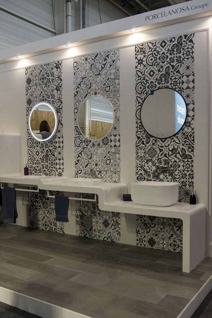 salle de bains porcelanosa three basins three mirrors three rows of absolutely gorgeous black white spanish tilevoila