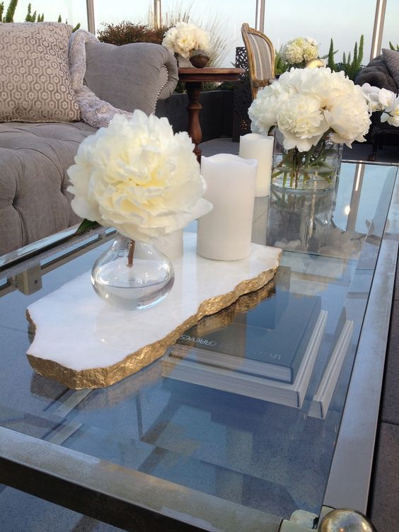 How To Decorate Your Coffee Table With Grace And Style