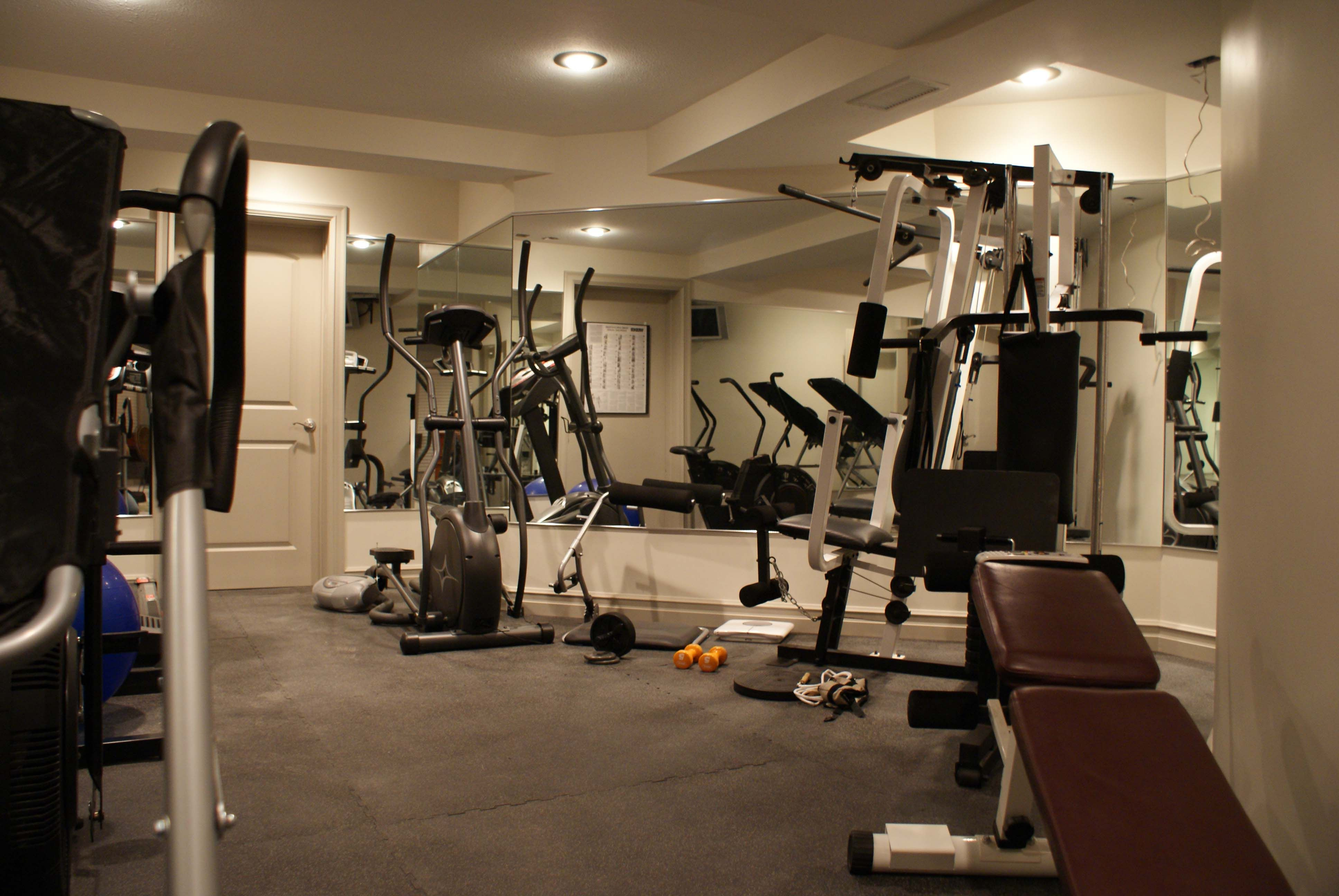 Fitness Center Colonial Park Apartment s