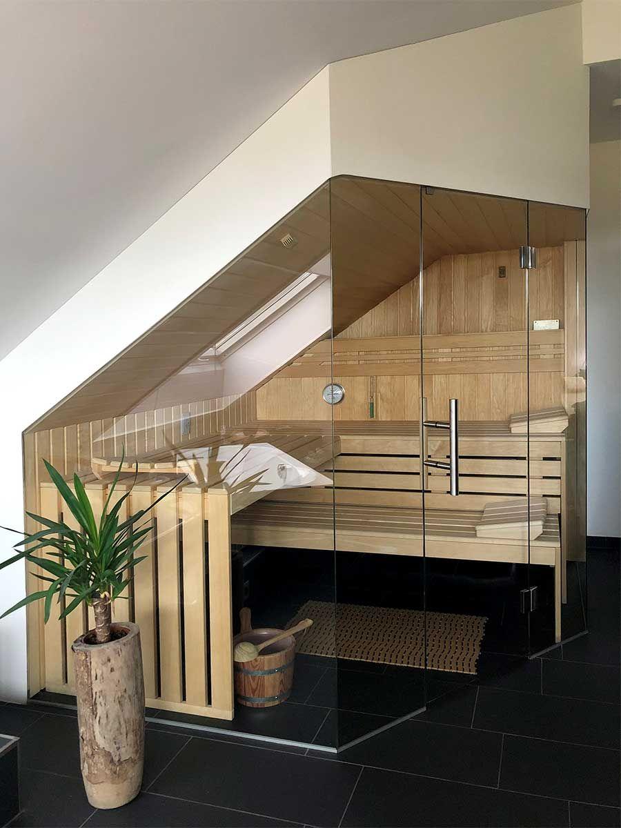 Sauna unter einer Dachschräge
