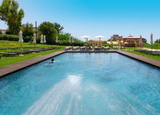 Soggiorno in mezza pensione in un resort da sogno affacciato sul ...