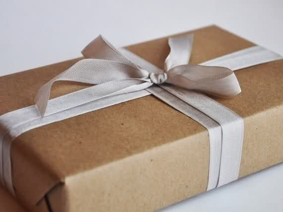 Love lust like brown paper packages tied up with string pack it holiday inspiration gift wrapping with kraft paper negle Images