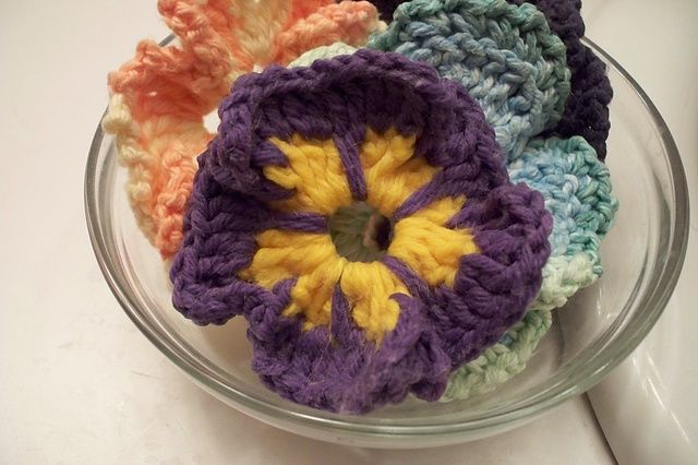 Ravelry: Multi Color Crochet Pansy pattern by Teresa Richardson
