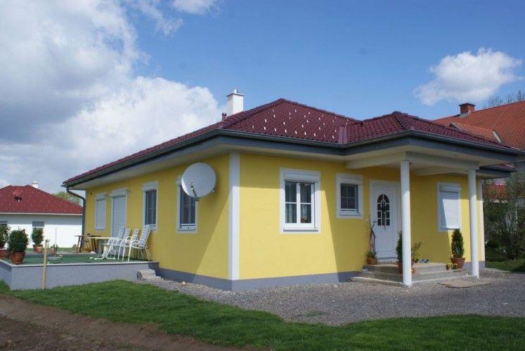 Bungalow fassadengestaltung blumendeko in 2019 for Fassadengestaltung beispiele bungalow