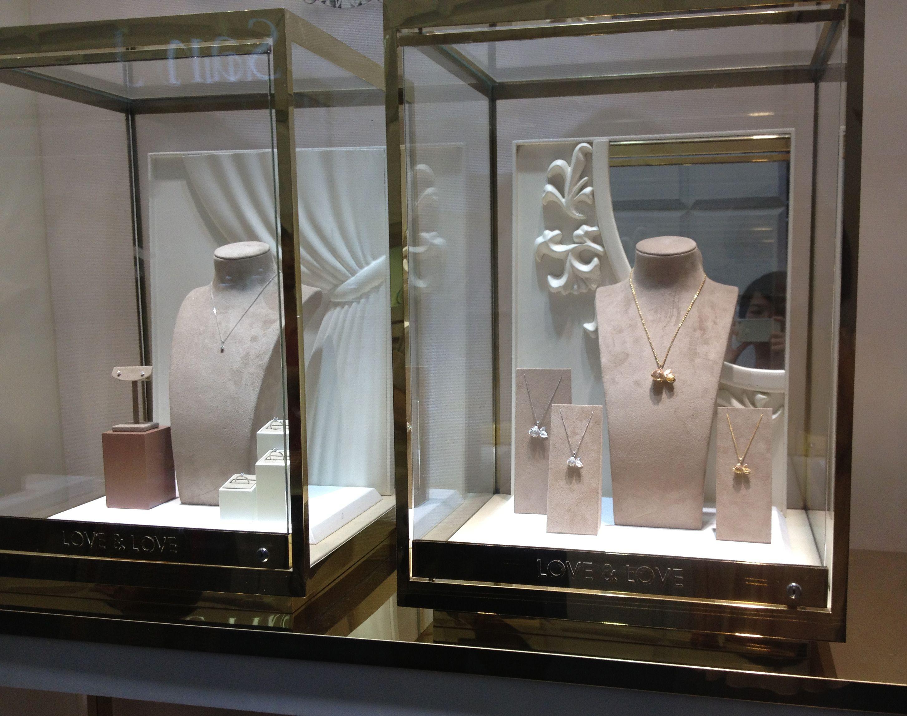 Creative Jewelry Displays Jewelery