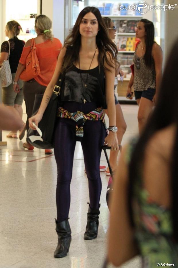 Looks Thaila Ayala Com Imagens Roupas Hipster Looks Roupas