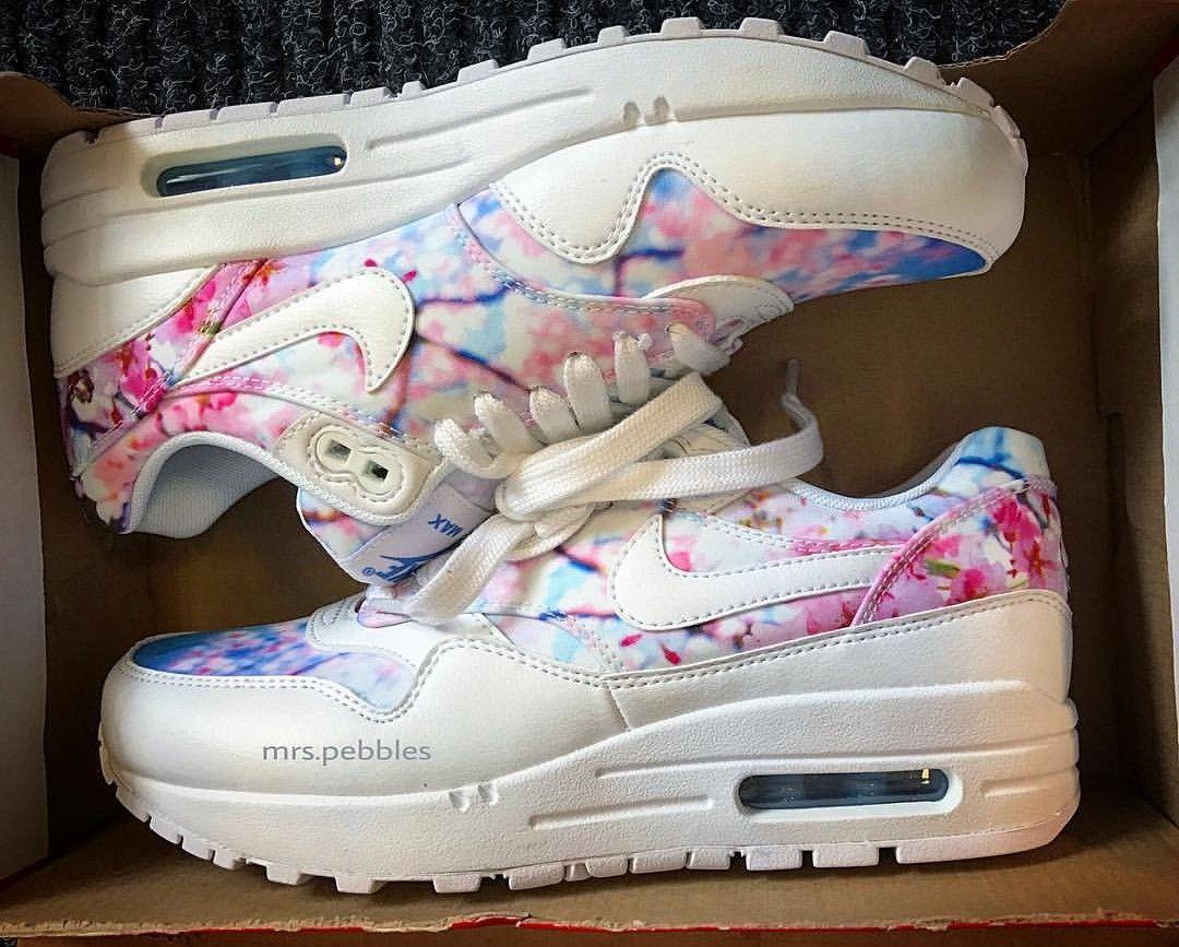 Nike Air Max Thea In White Flower Look Weiss Und Blumen Muster Foto Mrs Pebbles Instagram Nike Air Max Air Max Sneakers Nike Air