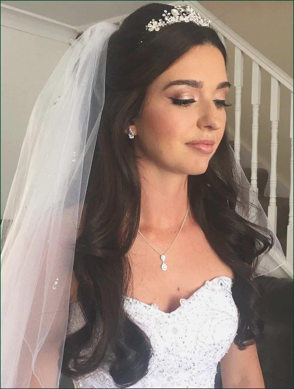 Half Up Half Down Wedding Hairstyles With Veil Awesome G54w Bridal Model Rambut Pengantin Gaya Rambut Pengantin Rambut Pengantin