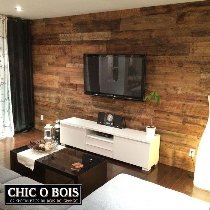 Mur en bois de grange dans un salon | Chambre Marie | Pinterest ...