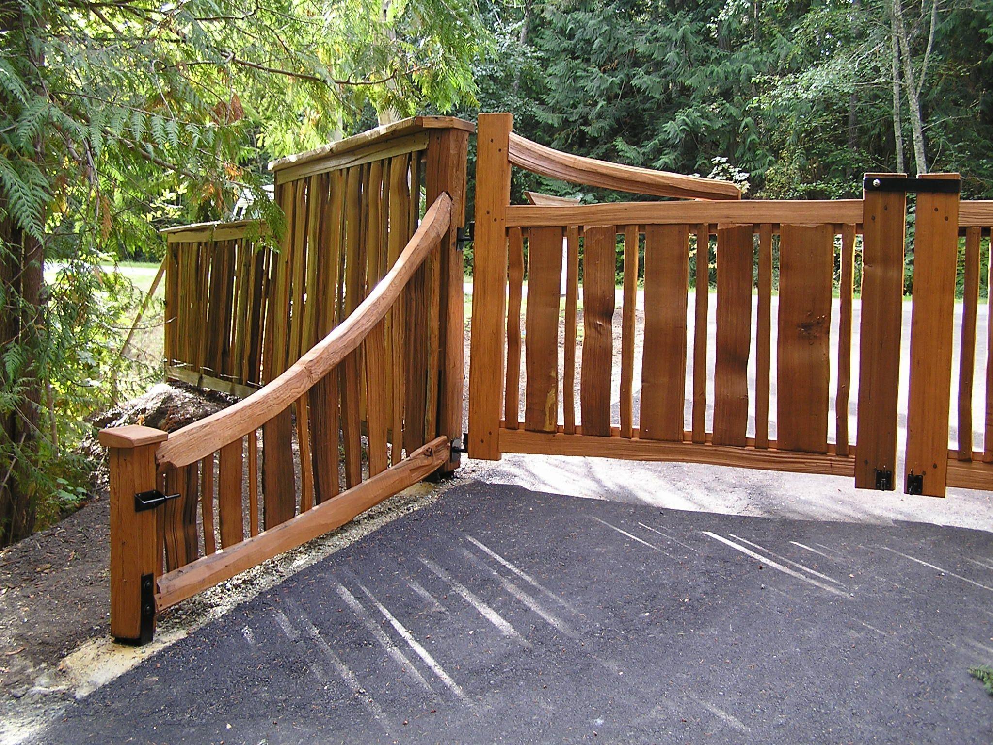Split cedar driveway gate and fence garden gates for Wooden driveway gate designs