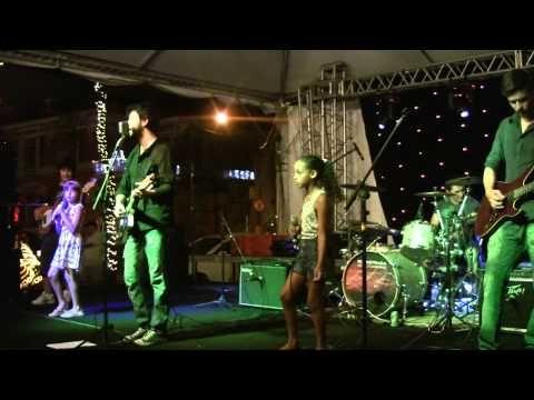 Rockstrada - Não Vale a Pena Chorar (Show Rockstrada 10 Anos - 27/12/2013) - YouTube