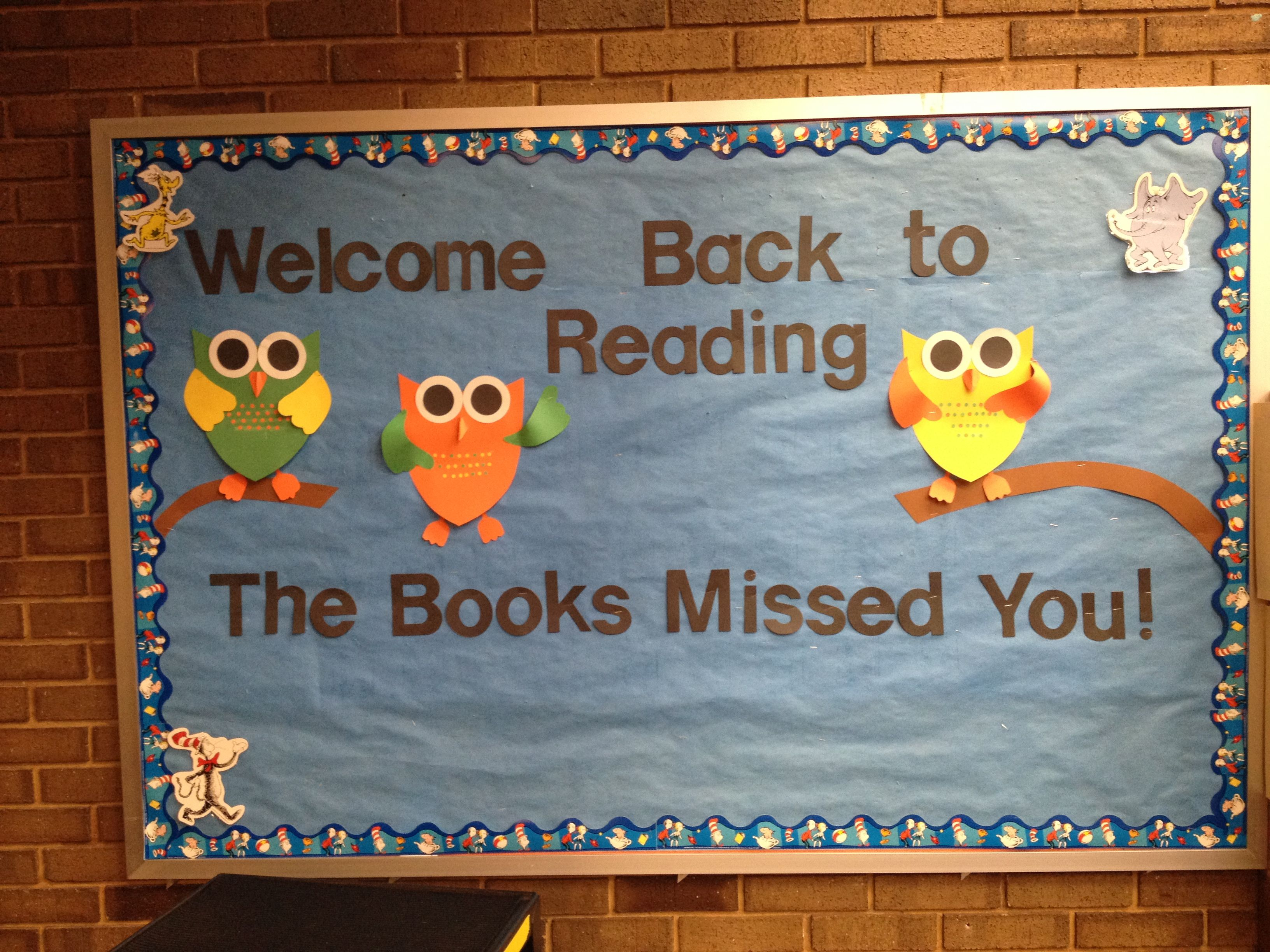 1000 images about library displays on pinterest library for Back to school board decoration