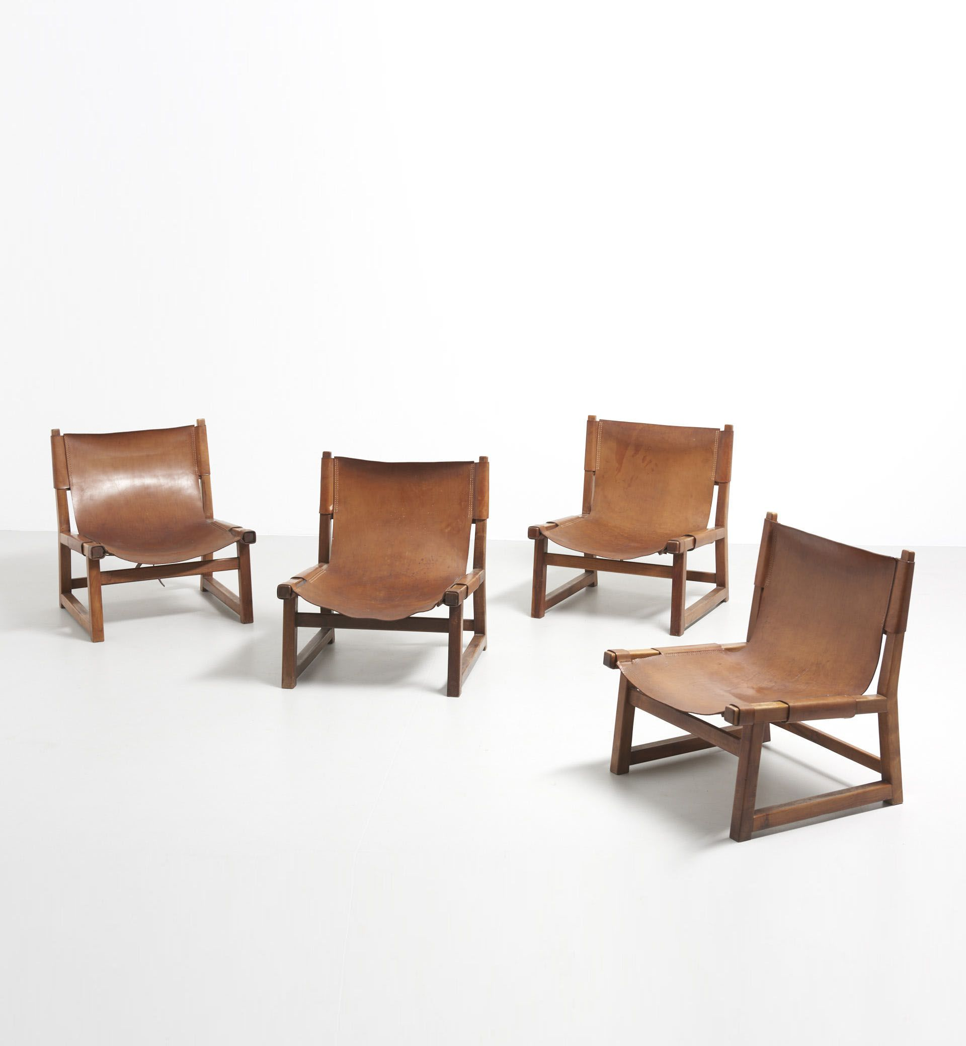 Relax Fauteuil Creme Leer.4 X Riaza Hunting Chair Paco Munoz Design Modest Furniture