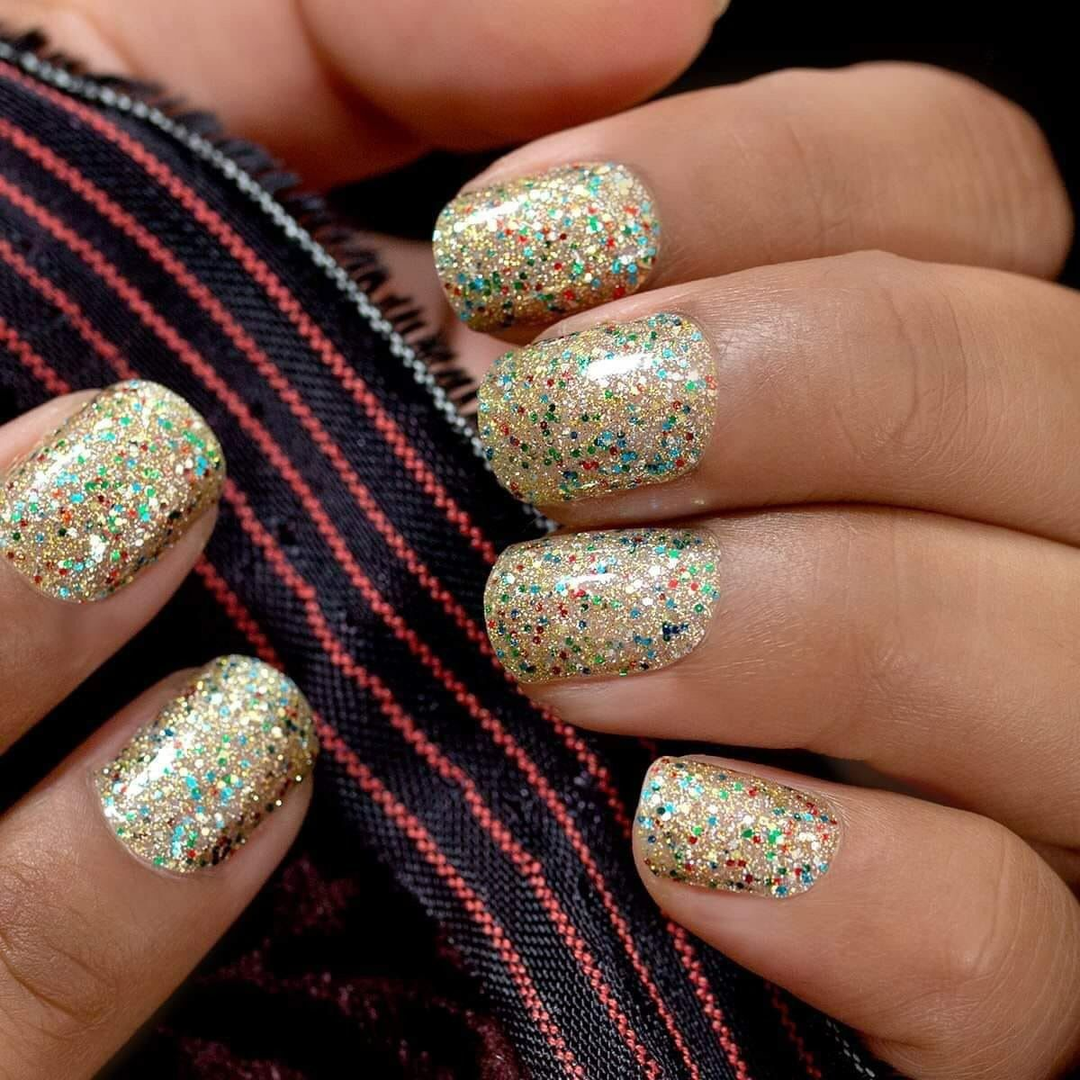 Holiday Manicures Confetti Nails Gold Glitter Nail Polish Gold Glitter Nails Color Street Nails