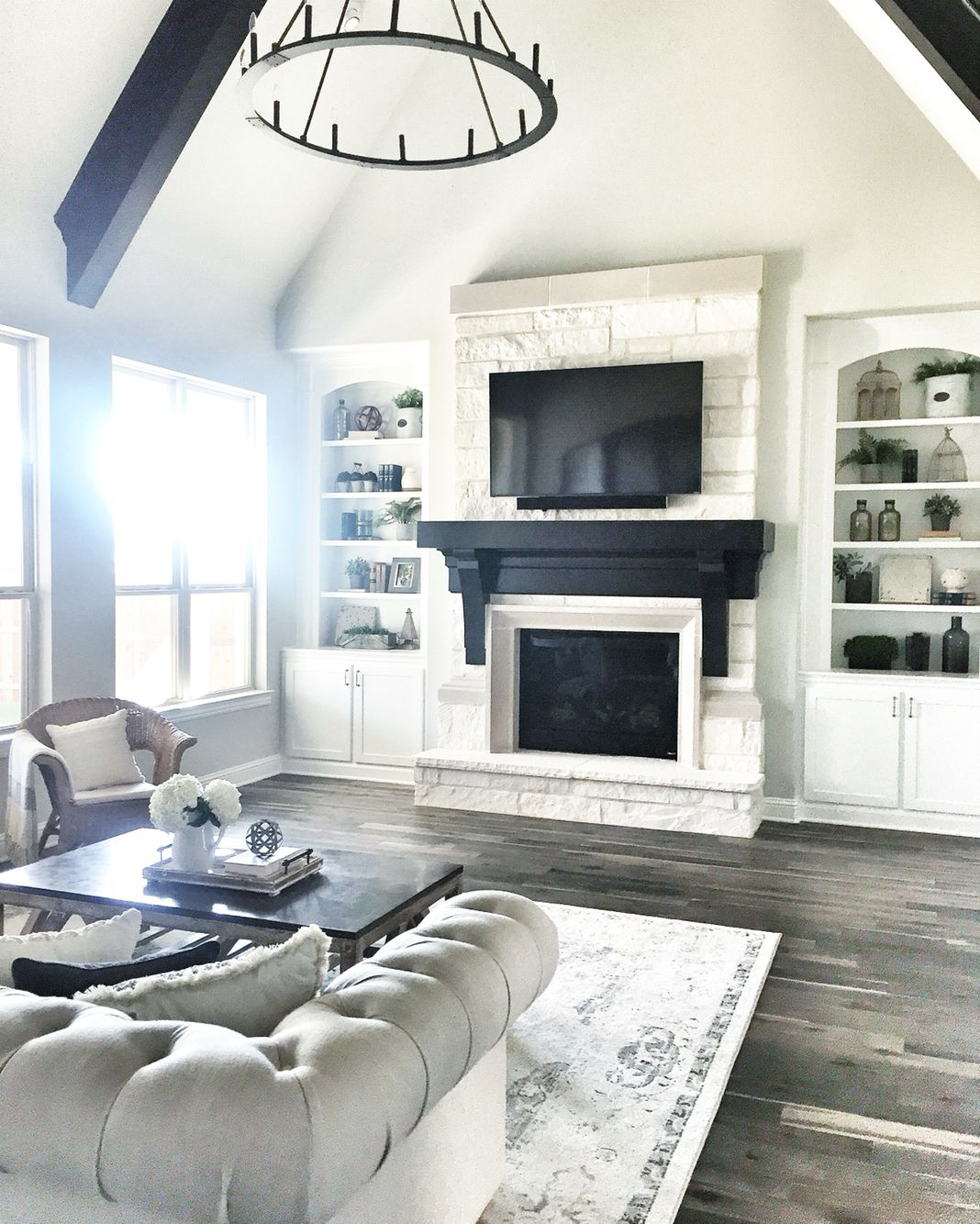 Neutral living room | Instagram @mytexashouse | Pinterest | Neutral ...