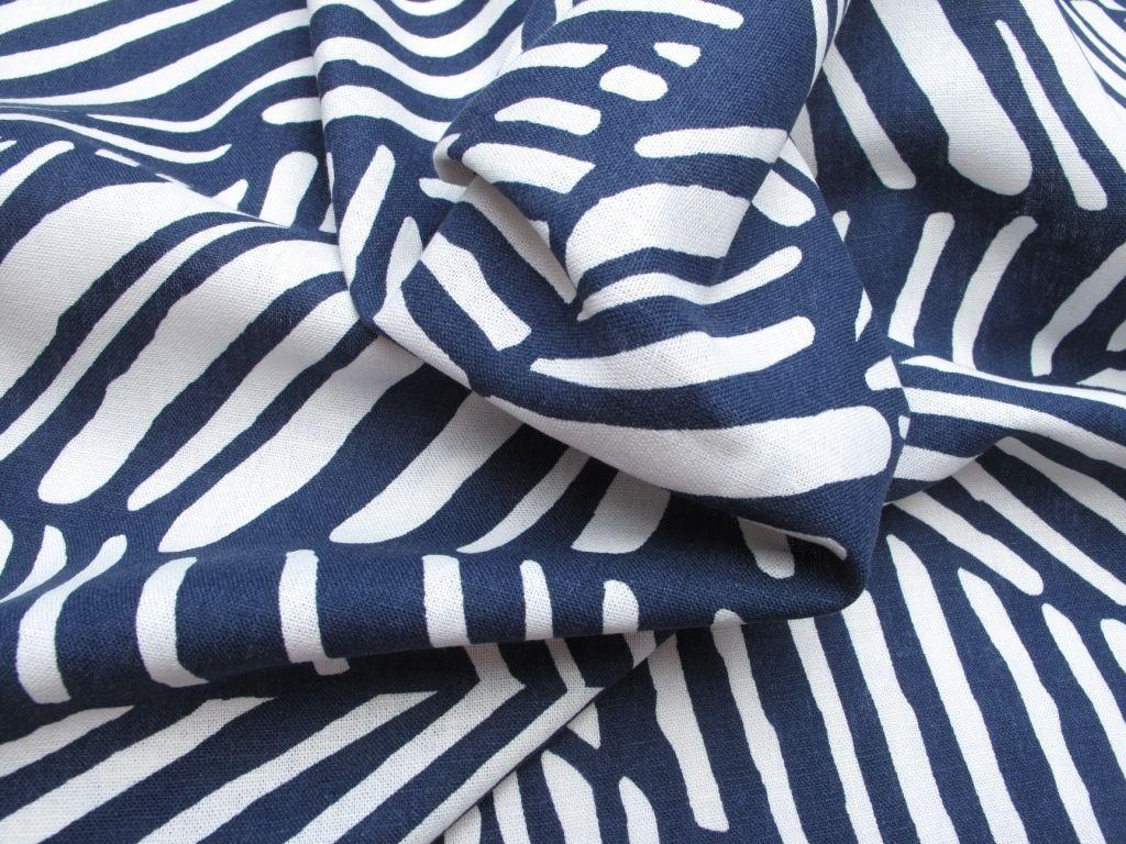 Fabric Godmother - Salso Linen Mix - Navy, £16.00 (http://www.fabricgodmother.co.uk/salso-linen-mix-navy/)
