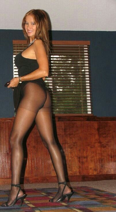 Open legs nude girls