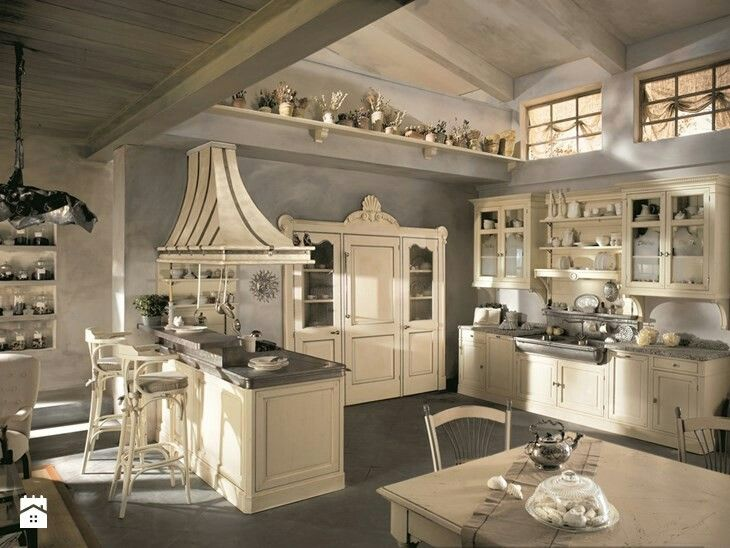 Vintage kitchen beautiful to me☺