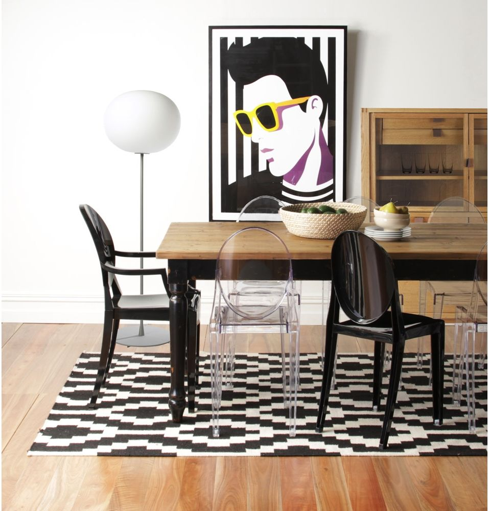Replica philippe starck victoria ghost chair by ascot for Designer esstisch replica
