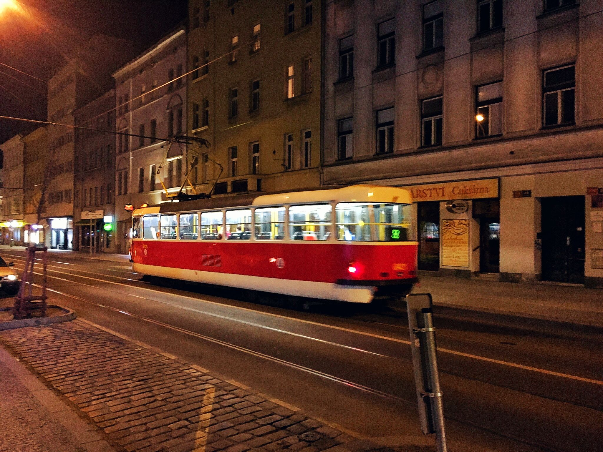 夜間電車 · 布拉格