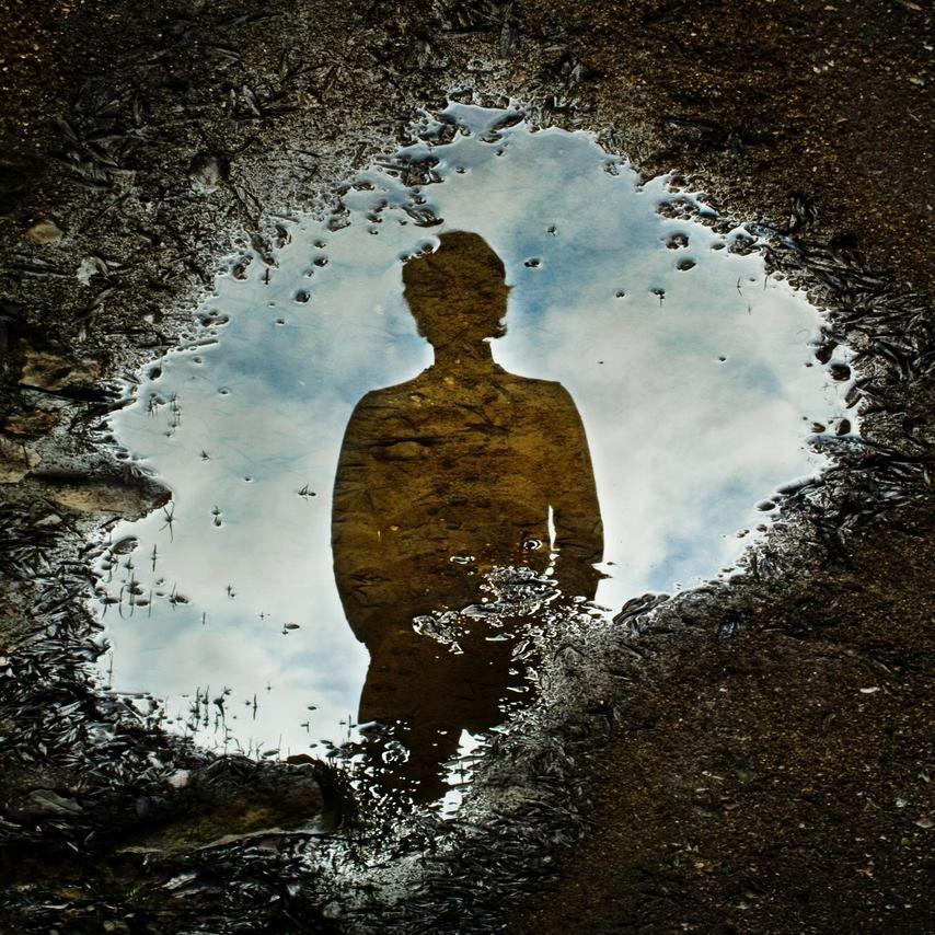"""(Foto by Micael Nussbaumer.)  Olho o espelho, alarmado; """"E se a vida for do outro lado""""?  — Millôr Fernandes   (Vi no """"Olhar Urbano"""" - Perfil FB)"""