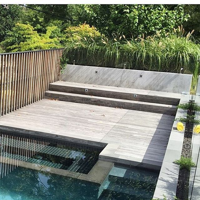 ╳SUMMER VIBES╳ Right here, right now. @benscott_design nailed it with all my fav material and color contrasts. Loving every bit of this modern native garden & pool area. 👌🏼#pool#landscapedesign#decking#landscaping#landscape_specialist#landscapingperth#garden#nativegardenperth#moderngardenrenovation#moderngarden#gardenparty#gardenporn#summer#outdoors#love#designerenvy