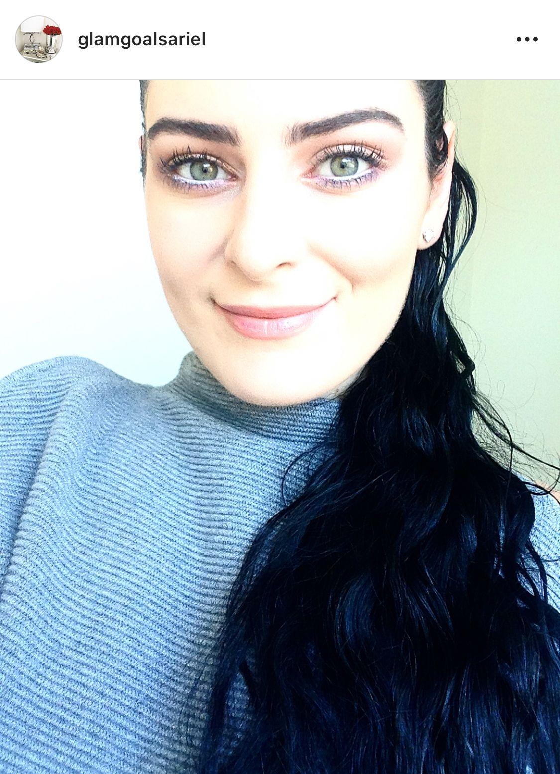Pale skin dark hair  Tablescape Home Decor GlamGoalsAriel Instagram