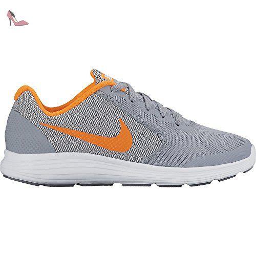 chaussure nike revolution 3 blanc