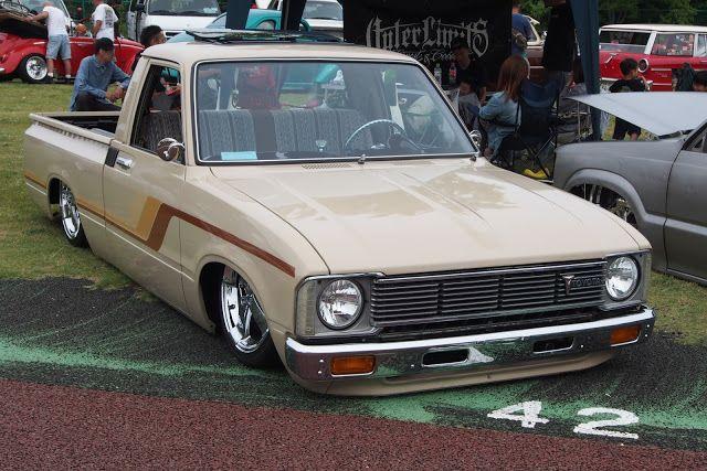 Toyota hilux 30 lowered slammed usdm minis for Garage toyota livry gargan