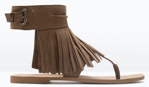 d06ee429cd040d Sandales plate en cuir marron à franges, Zara | chaussures ...