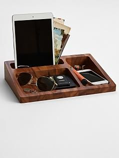 Best Wood Tray Valet Perfect For Your Husband S Dresser Top 640 x 480