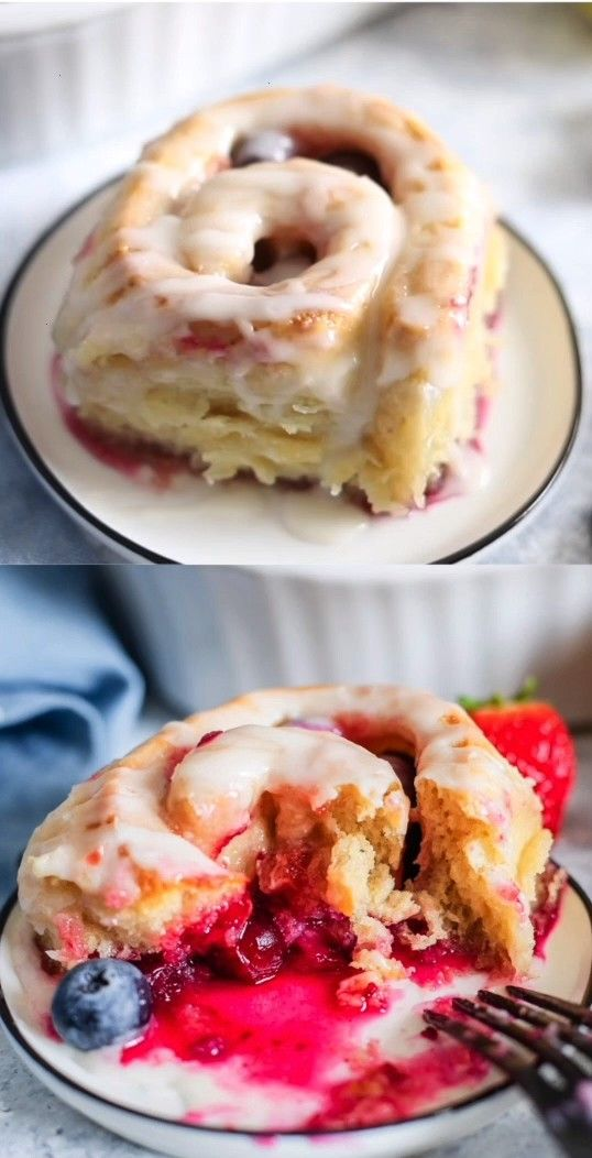 Berry Sweet Rolls - With a tender croissant dough, filled with berries, and an addictive lemon glaz