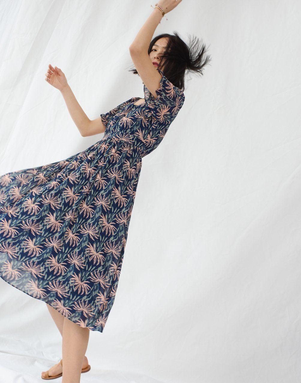 Ruffle Sleeve Midi Dress In Oasis Palms Midi Dress With Sleeves Dresses Boho Dress [ 1276 x 1004 Pixel ]