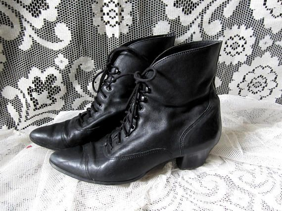 d6f3054d0e5 80s Victorian Shoes Size 10 Lace up Pointy Black Leather Witch Boots Granny  Booties Trad Goth Post Punk Ankle Boots Witchy Strega Dark Mori