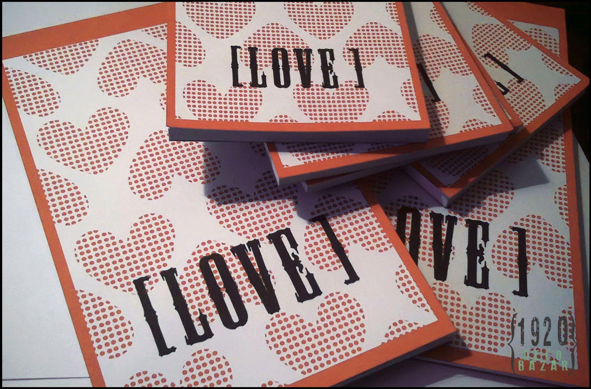 """Block de notas """"Love"""". Varias medidas. Más info en: http://1920decobazar.blogspot.com.ar/2014/07/anotadores.html"""