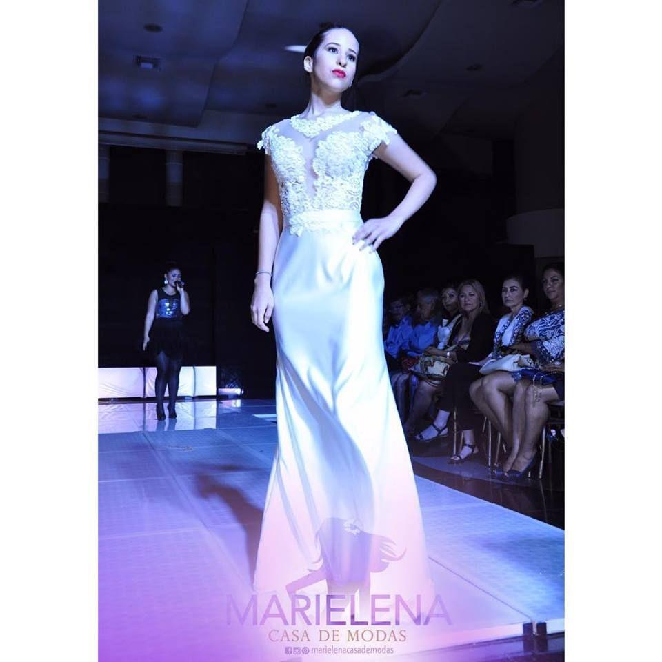 afca5131226 En podesua y chantilly en tono perla es uno de nuestros diseños que luce la  modelo   andreapaladines
