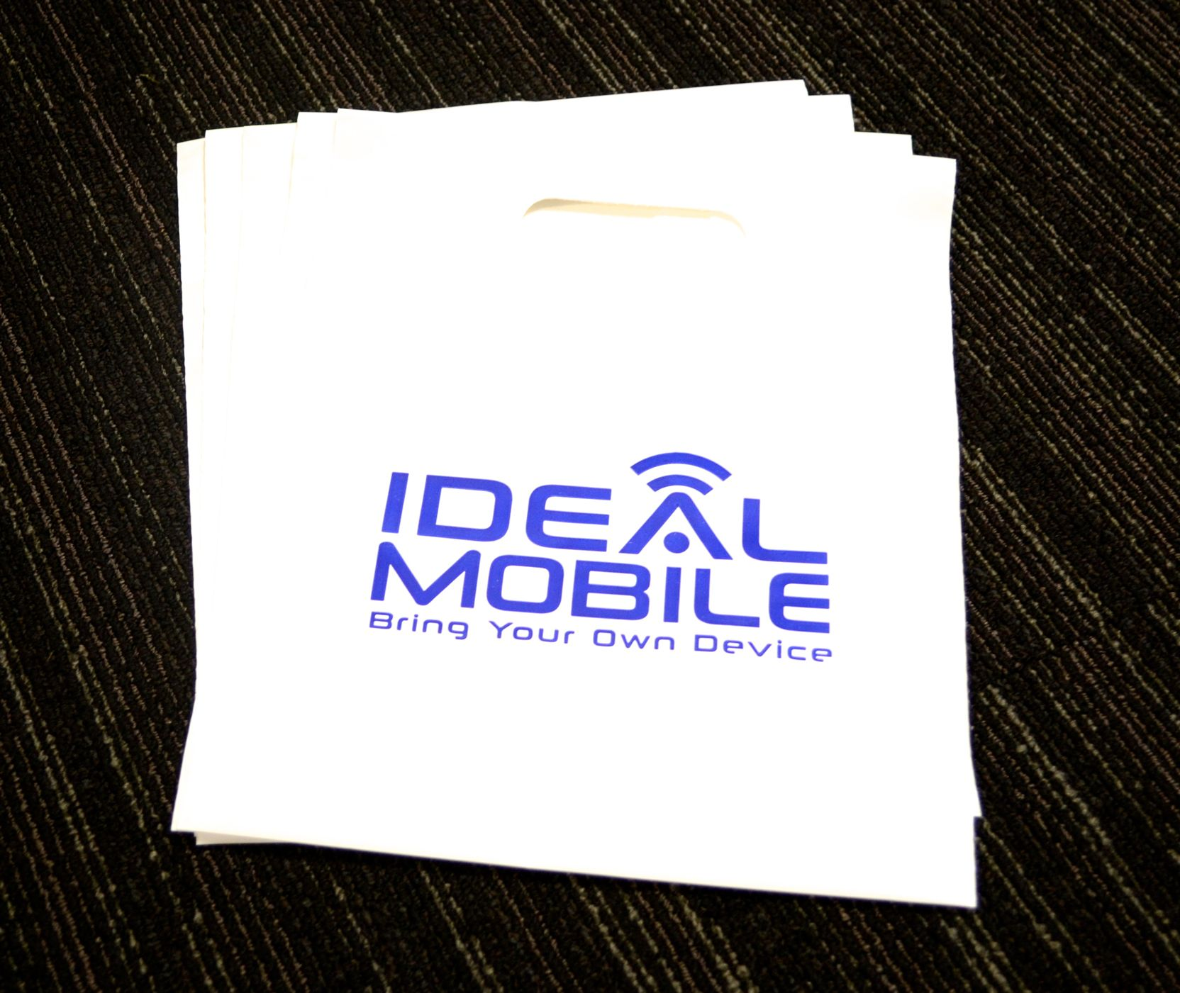 Check out these custom plastic bags. Great for trade shows and for in-store use. #plasticbags #custombags #bags