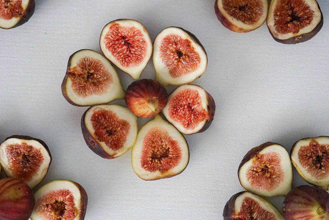 Sometimes I play with my food, and how could I not when a simple fig is soooo beautiful!#fruit#fig#fruitart#fruitporn#foodporn#dessertporn#fruitarian#vegan#raw#govegan#playwithyourfood#eatwithyoureyes#foodpic#foodphoto#foodphotoshoot#foodphotography#dessertpic#dessertoftheday#ilovebaking#mycommontable#bakefromscratch#foodie#foodforfoodies#instabaker#instabaking#nomnom#yummm#foodaholic#sharefood#toda
