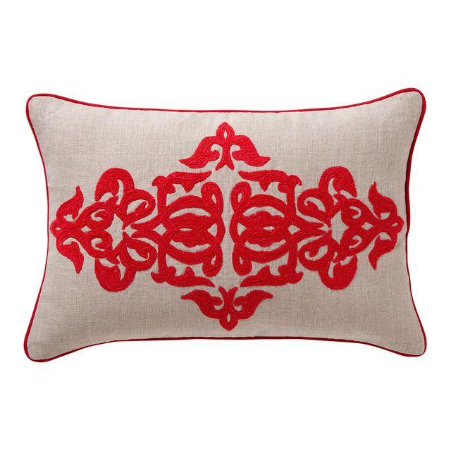 Cojín de lino bordado Monarch El Corte Inglés | TPA project