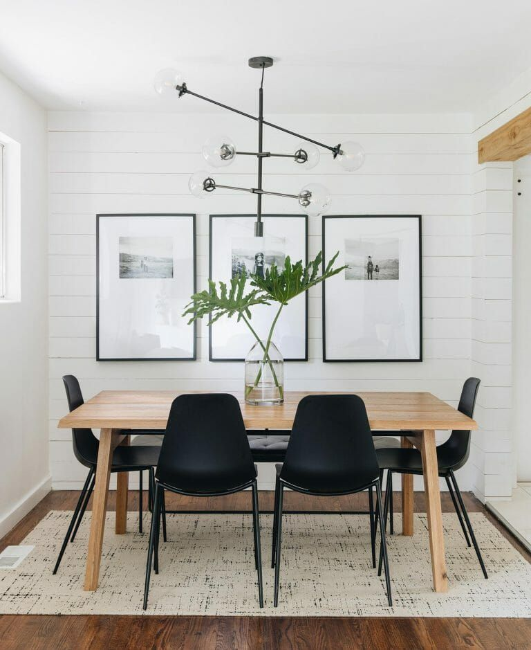A Guide To Decorating With Black And White Articulate Dining Room Small Dining Room Style Dining Room Inspiration
