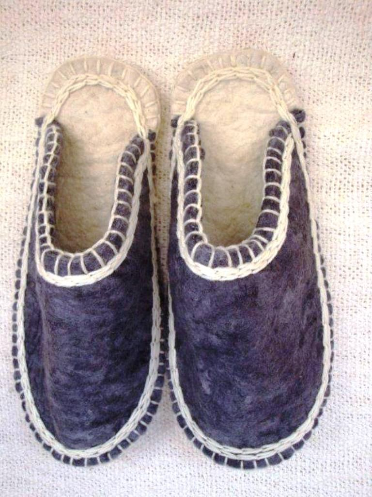 Using natural wool and felt straight from the farm, each pair of slippers is warm as toast, super comfy , http://annmack.co.za/store/products/merino-wool-and-felt-slippers/