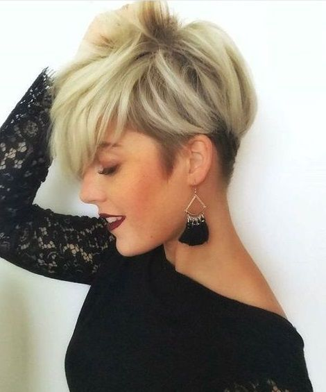 The undercut! Do not miss! This look is one of the hippest trends of 2018! – Ladies hairstyles