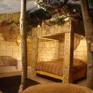 Aztec suite wildwood inn florence ky my life for Aztec bedroom ideas