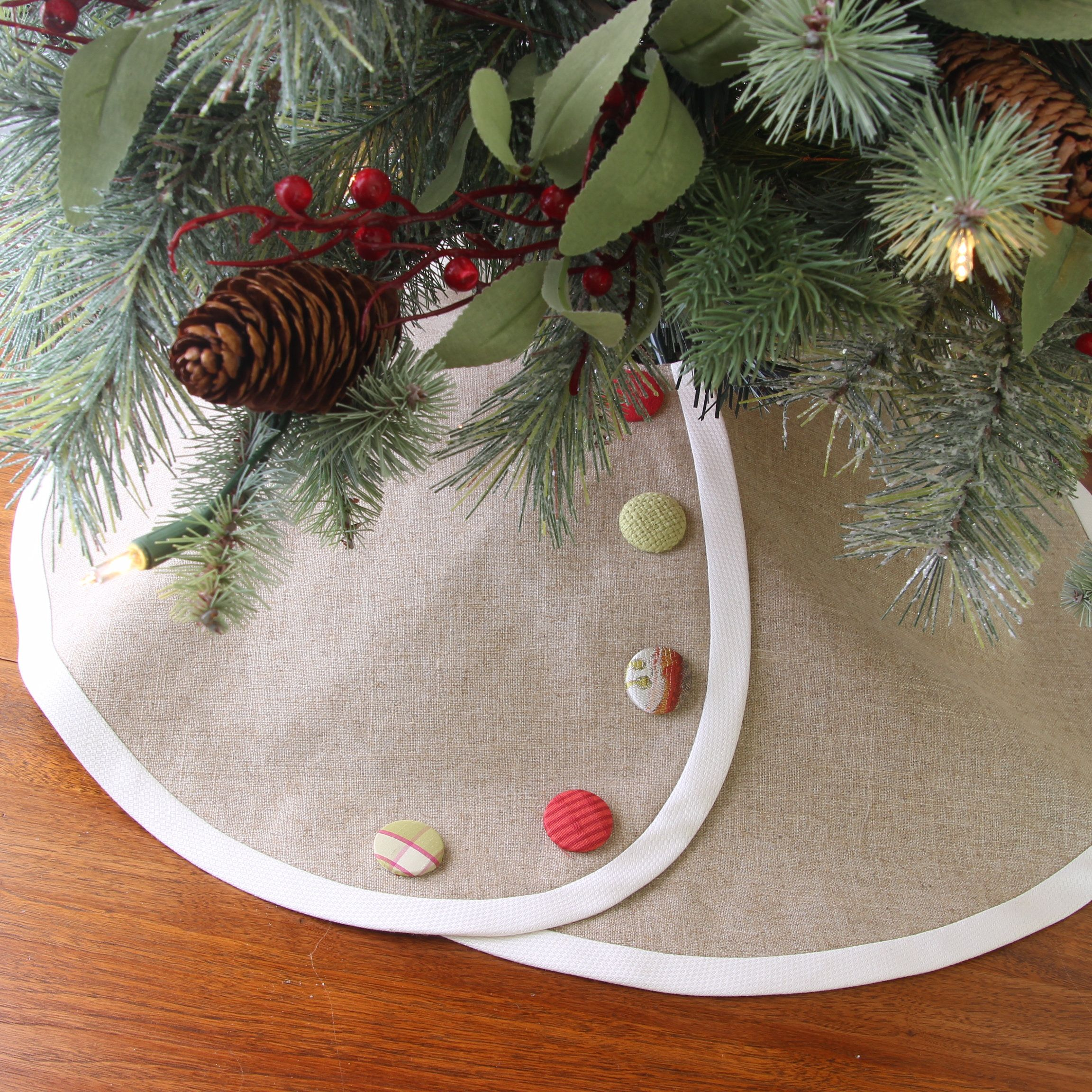 LINEN Pencil Christmas Tree Skirt -- Tabletop Christmas ...
