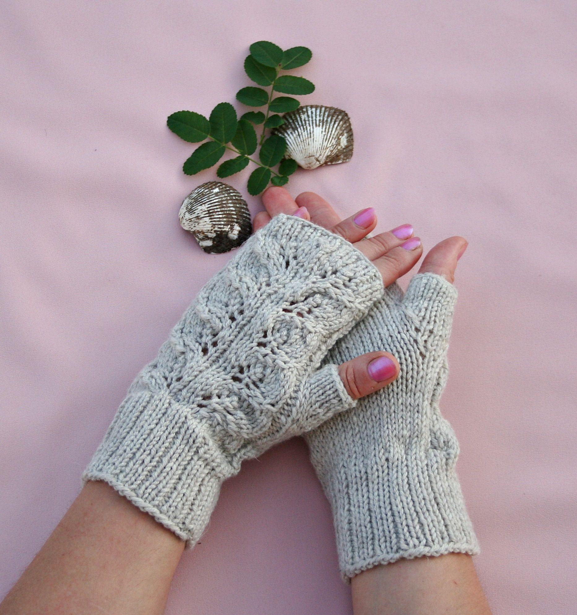 Drops lace pattern 146-27. Merino wool yarn is soft and skin ...