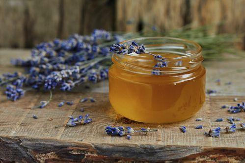 Le miel est un remède naturel ancestral qui possède des ...