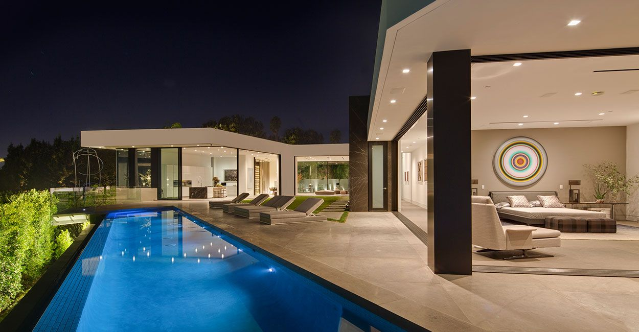 Amazing Tanager Way Mansion Overlooks Downtown Los Angeles 10 Stunning Homes Mansions Architect House Hollywood Hills Homes