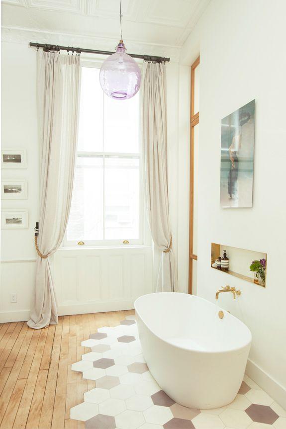hier passt alles zusammen freistehende badewanne an der. Black Bedroom Furniture Sets. Home Design Ideas