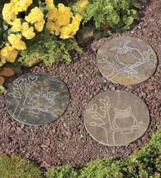 Making of Personalized DIY Stepping Stones   #gardensteppingstone #steppingstonespathway